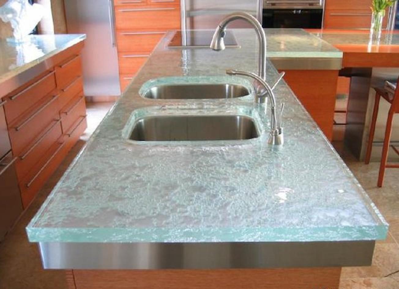 Кухонные столешницы: разнообразие материалов изготовления.
